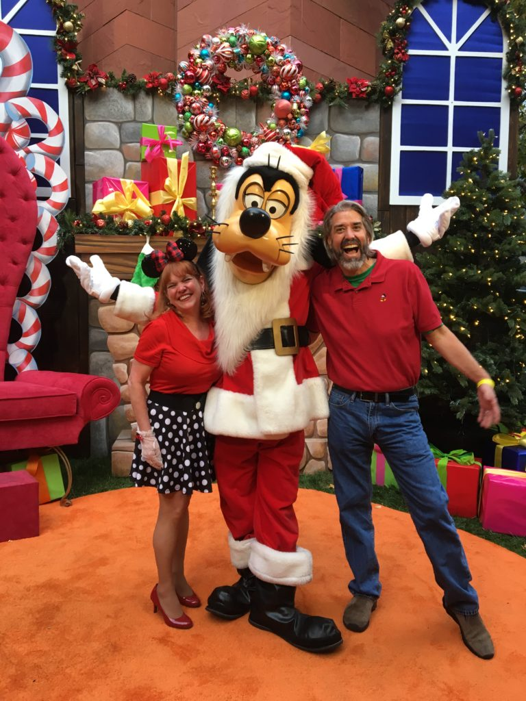 Tom Michelle and Santa Goofy
