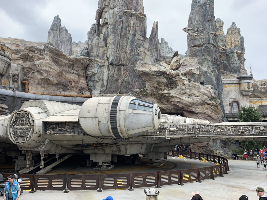 Millennium Falcon - Star Wars: Galaxy's Edge - Disneyland