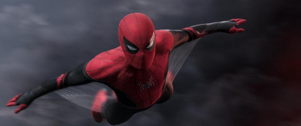 Spider-Man: Far From Home - Spider-Man Gliding